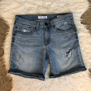 Banana Republic boyfriend roll up shorts jean